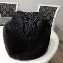 Женская меховая шапка, в Чите