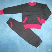 Новый костюм для девочки р.110, в Красноярске