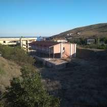 Прoдаетcя дом, общ пл 374 кв. м. в 150 м. от моря, в Феодосии