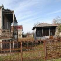 Продажа дома с постройкой и прекрасным большим участком, в г.Поти