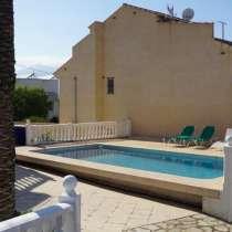 Продается вилла 230 кв метров с бассейном и частным садом в, в г.L'Albir