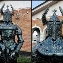 Рыцарь скульптурный, в Краснодаре