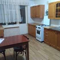 Продаю 3-х комнатную квартиру. Центр, ул. Орозбекова/Фрунзе, в г.Бишкек