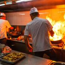 Повар горячего цеха на производство кулинарии, в Москве