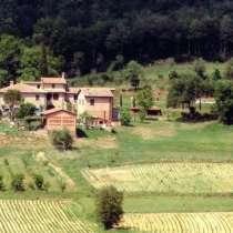 Небольшая вилла среди холмов в великолепном панорамном месте, в г.Foiano della Chiana