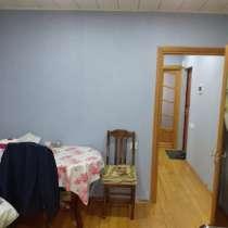 Продается 1 комнатная (переделка в 2) на гянджлик, в г.Баку