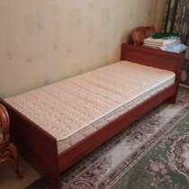 Продам кровать с матрасом, в Санкт-Петербурге