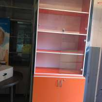 Продать недорого шкаф витринный, рецепшен шкаф холодильный, в Белгороде