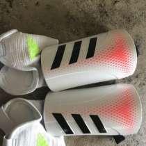 Футбольные щитки Adidas Predator, в Барнауле