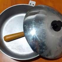 Сковорода с крышкой СССР. Новая. Дюраль. 27 см диаметр, в Ейске