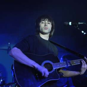Поёт артист оригинального жанра Мухаммед Фозилов, в Москве