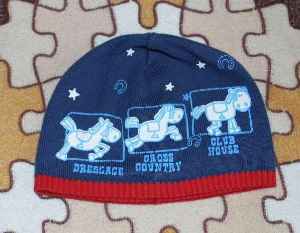 Шапка вязанная стильная на 2-4года Баулы одежды и обуви отда
