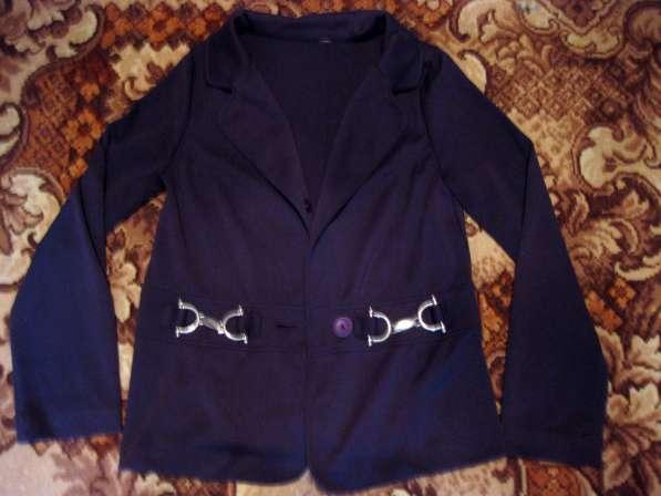 Костюм (пиджак и брючки)