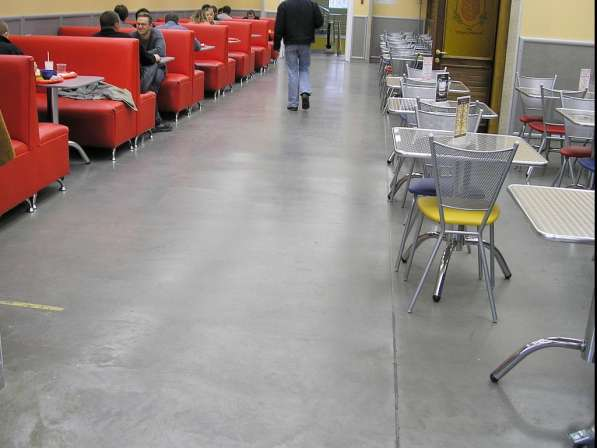 Заливка бетонного пола с упрочнением для предприятий