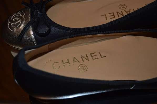 Балетки Chanel, цвет: черный в фото 5