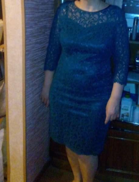 Платье 1 раз одевала цвет зеленый 48-50 размер