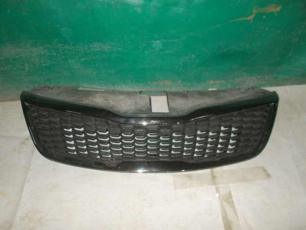 Kia Rio 4 Решетка радиатора б/у Оригинал