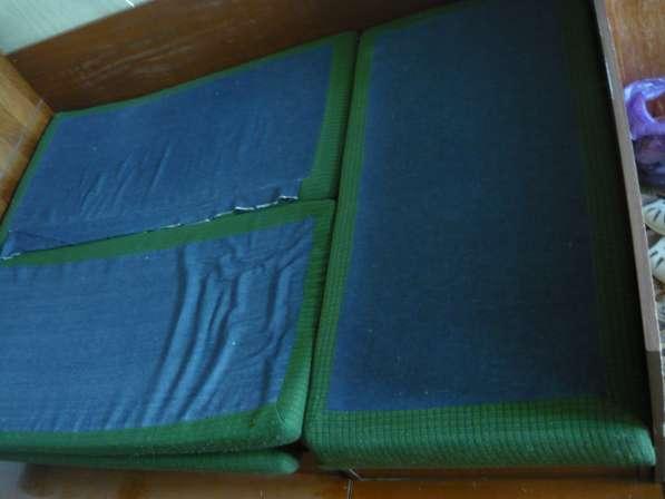 Два мягких угловых дивана с ящиками для хранения вещей