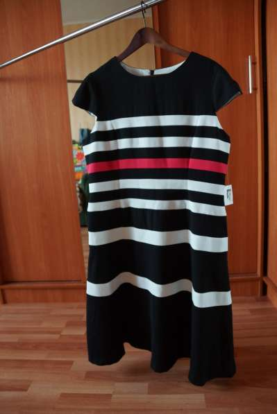 Продам новое платье Anne Klein