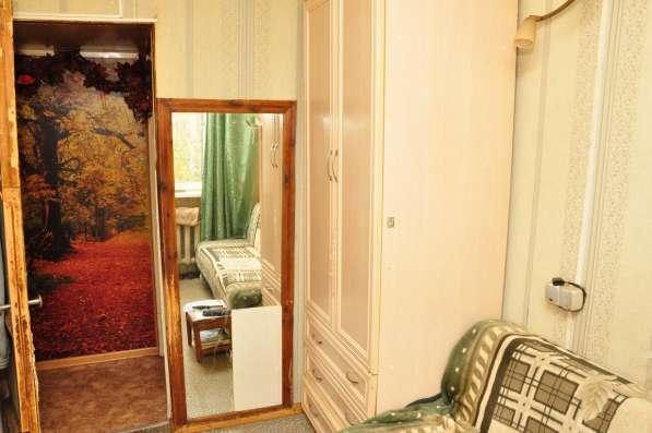 Сдаю маленькую комнату (8 кв. м.) одному или двоим на Дугина