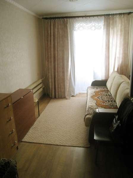 Продаю 2 комнаты в пятикомн. квартире по ул. Панферова, д.10