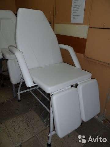 Кресло педикюрное, косметологическое