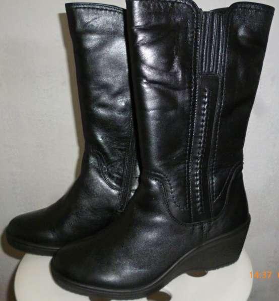 Продам сапоги женские зимние, новые, размер 38, цвет черный