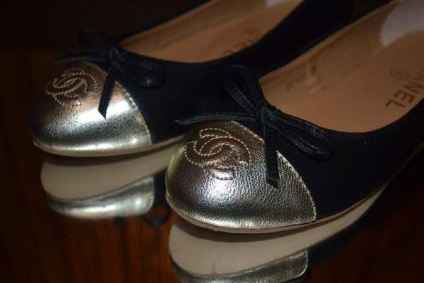 Балетки Chanel, цвет: черный в фото 4