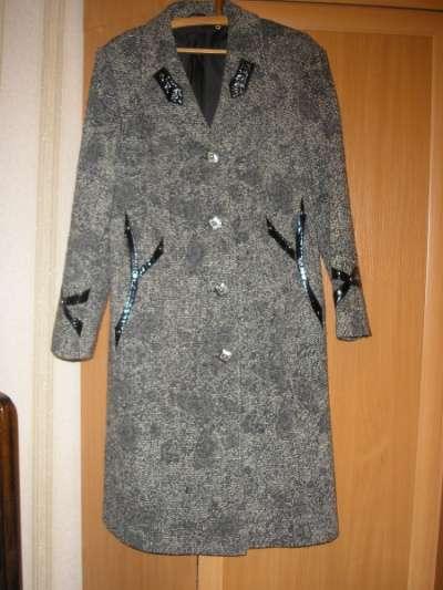 пальто демисезонное р.48 рост 156 в Ижевске