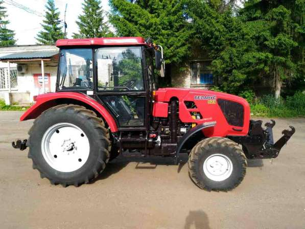 Трактор «Беларус-921» с передним навесным устройством (ПНУ)