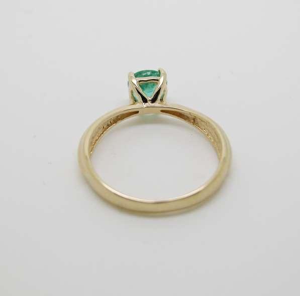 Золотое кольцо с круглым Изумрудом в Москве