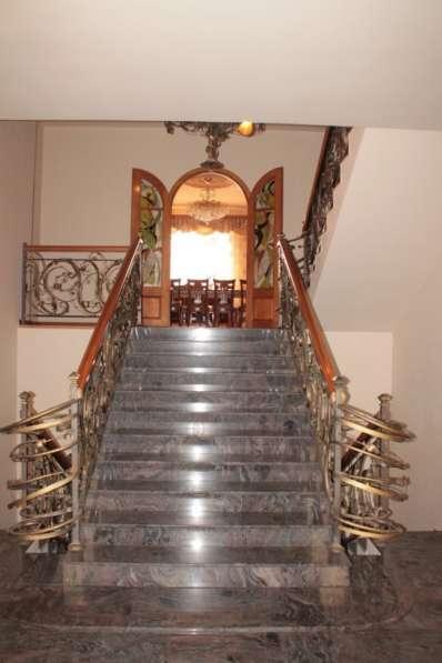 Шикарнй и комфортабельнй дом в Ереване