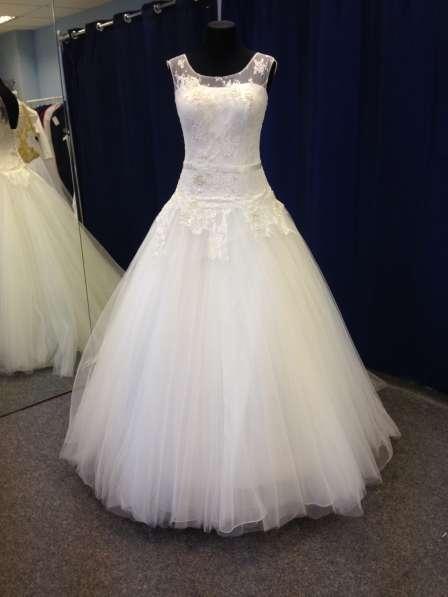 Потрясающее дизайнерское свадебное платье