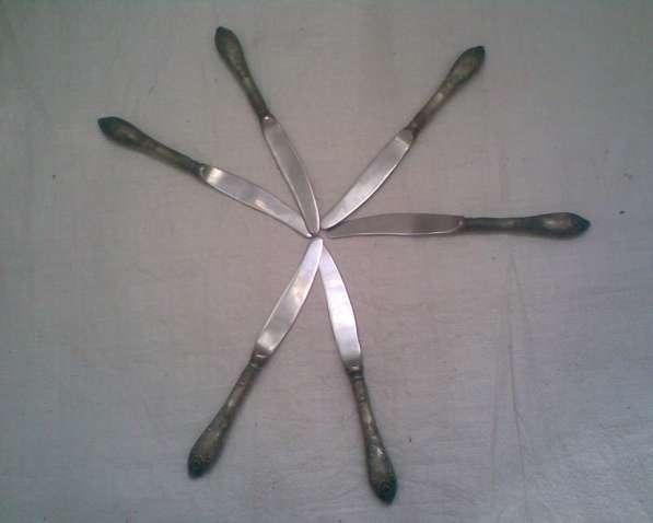 Красивенный набор мельхиоровых ножей