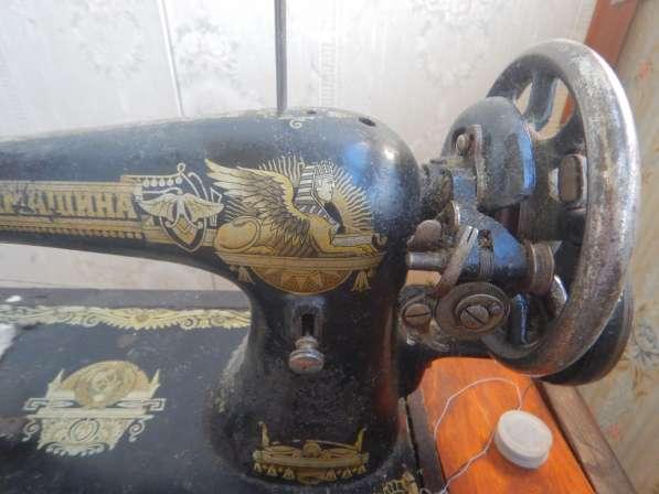 Антикварная швейная машинка типа в Москве фото 4