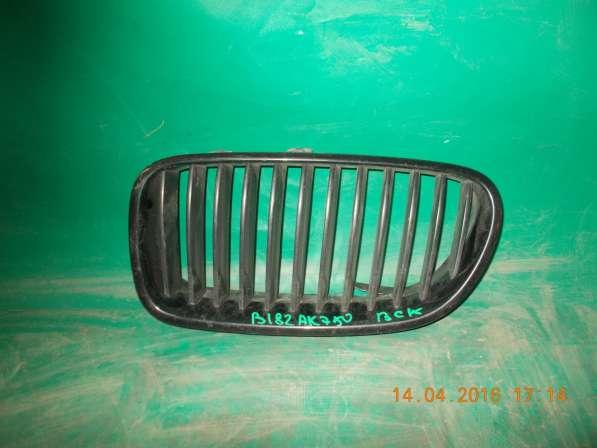 Решетка радиатора (левая ноздря) BMW 5er F10
