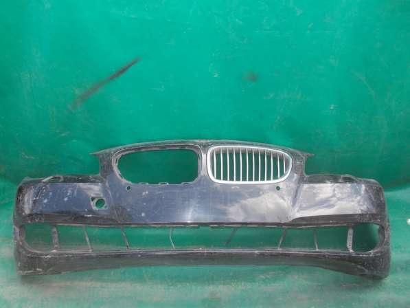 Передний бампер на BMW 5er E60 б.у. оригинал