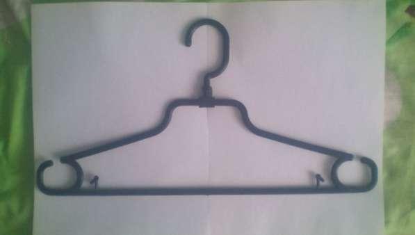 Продам вешалки для одежды