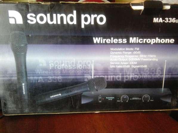 Комплект беспроводных микрофонов для караоке