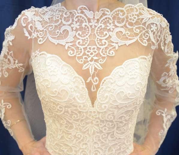 Нежное дизайнерское свадебное платье а-силуэта