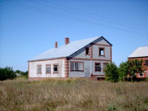 или меняю дом 300 м2 с уч 20 с на берегу Азовского моря