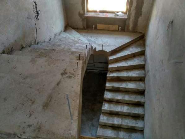 Эксклюзивные монолитные лестницы в фото 4