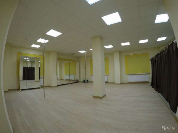 ШЕСТ, ПИЛОН, хореографический балетный станок