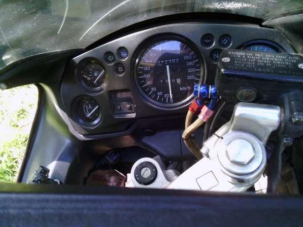 Honda CBR 1100 XX Super Blackbird (1998г)
