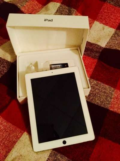 планшет Apple iPad 3 32Gb Wi-Fi+3G