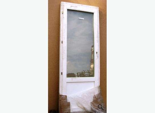 Двери балконные деревянные