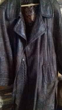 Пальто на теп.холодную погоду-межсезон/кожанное теплое52-54р, в Москве