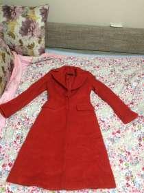 Продам пальто красного цвета от бренда Massimo Dutti, в г.Алматы