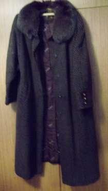 Пальто зимнее с меховым воротником, в Ростове-на-Дону
