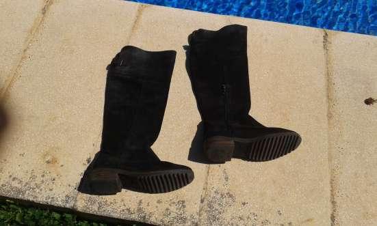 Черные осенние сапоги